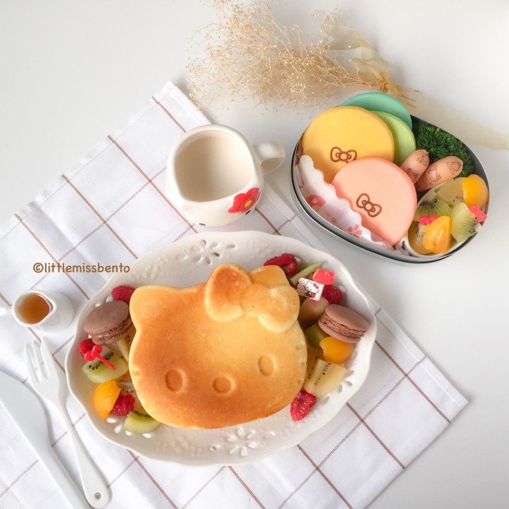 Hello Kitty Pancakes Bento (1)