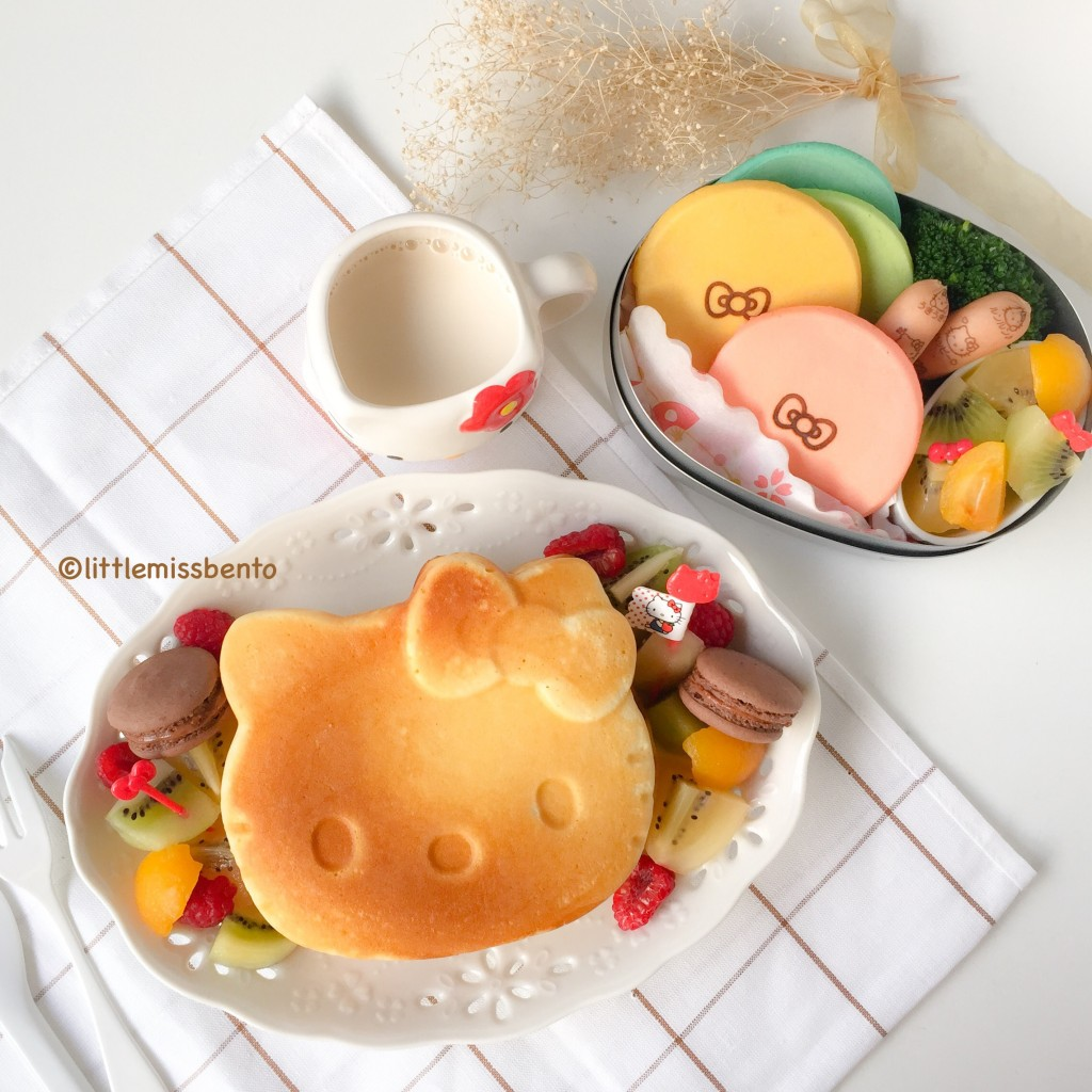 Hello Kitty Pancakes Bento (3)