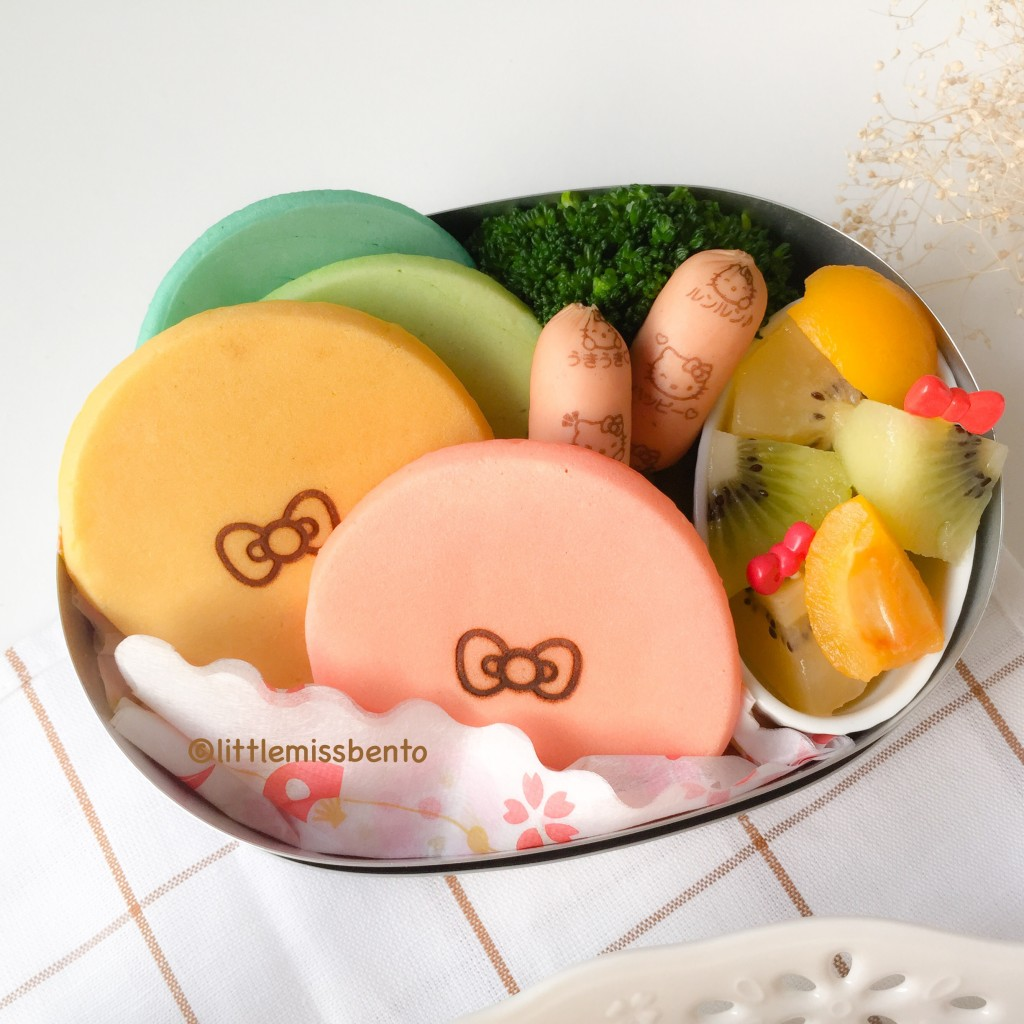 Hello Kitty Pancakes Bento (4)