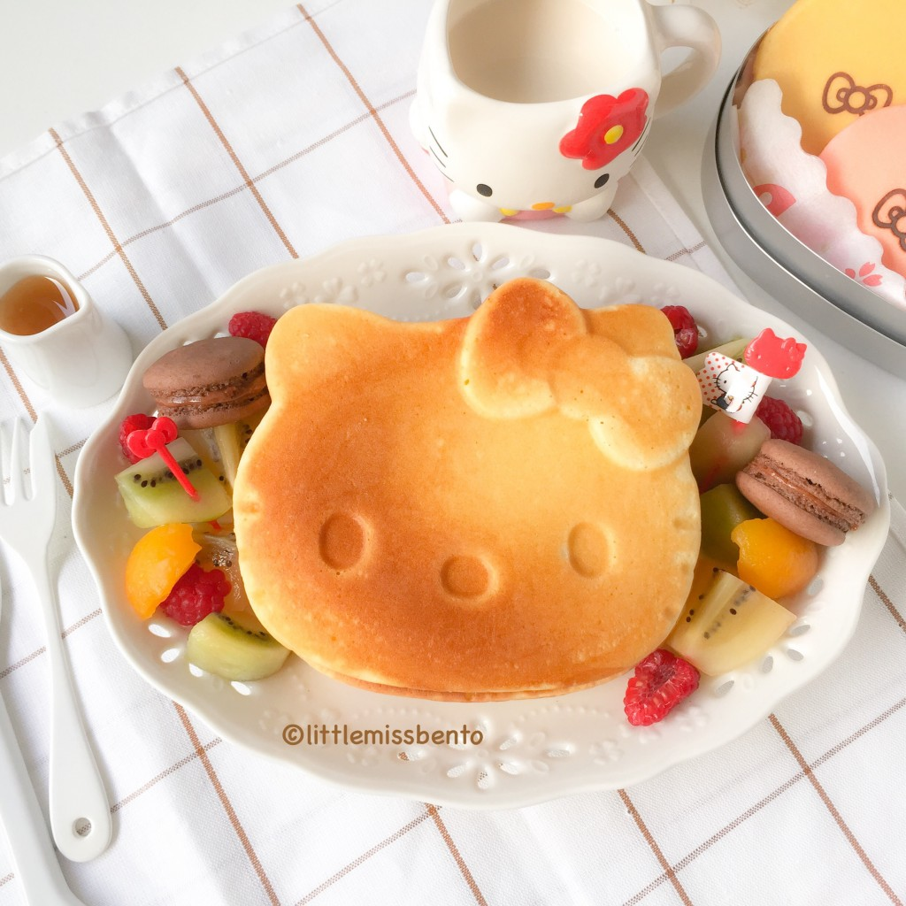 Hello Kitty Pancakes Bento (5)